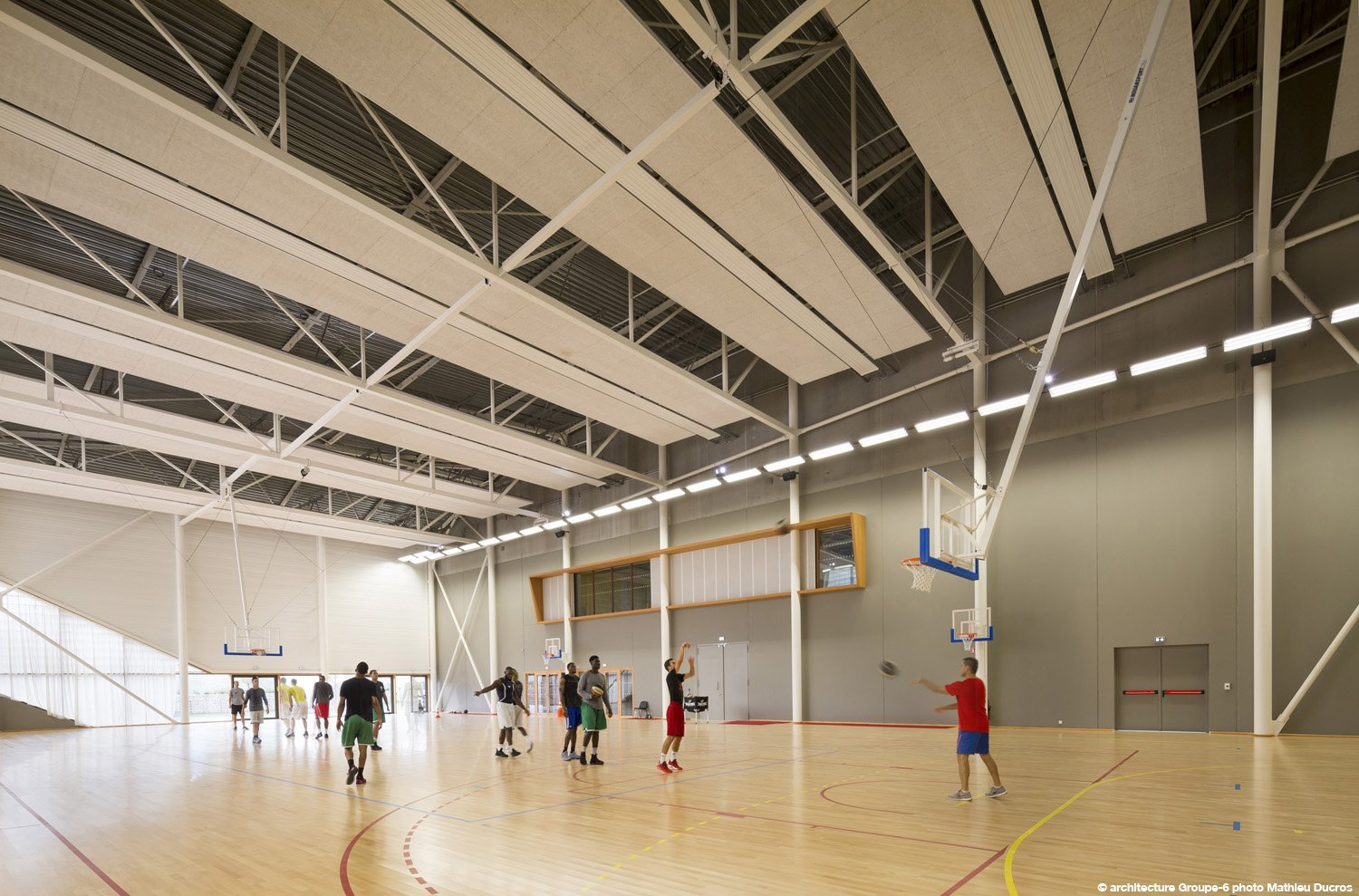 The annexe is turned to training.  © Mathieu Ducros}