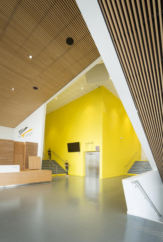 Entrance Hall © Mathieu Ducros}