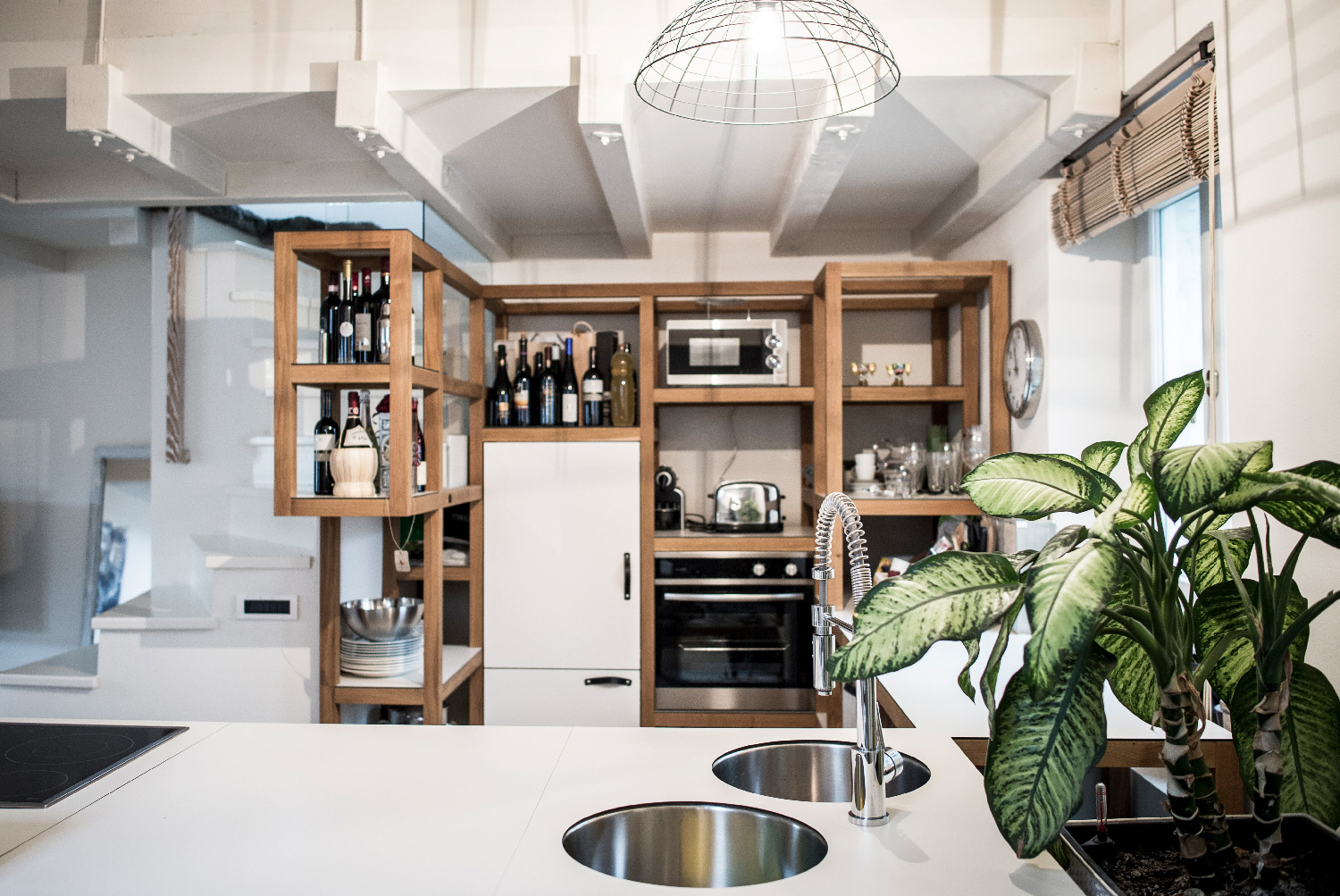 The resolution of the kitchen in a modular system opens up new possibilities of flexible and convertible designs Alex Filz
