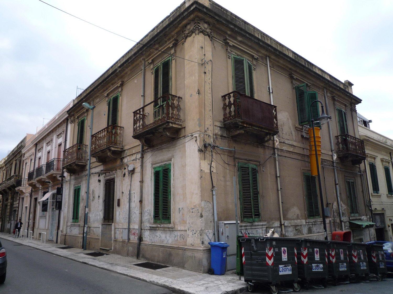 esterno via Tripepi old Catalano Murgia}