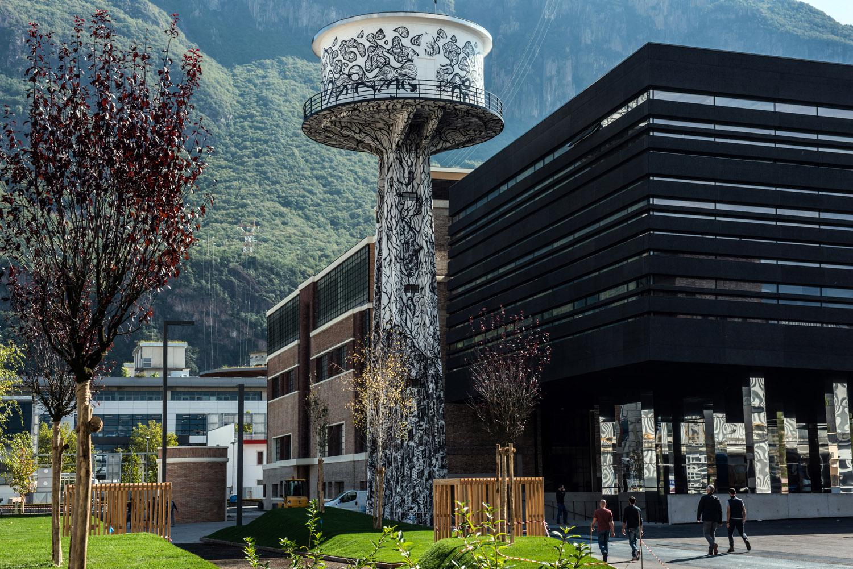 I due edifici storici sono stati oggetto di un attento restauro delle facciate, inoltre la torre piezometrica divenuta nel 2008 opera d'arte grazie a Mariusz Waras (alias M-City) è oggi completamente resta IDM Südtirol / Ivo Corrà