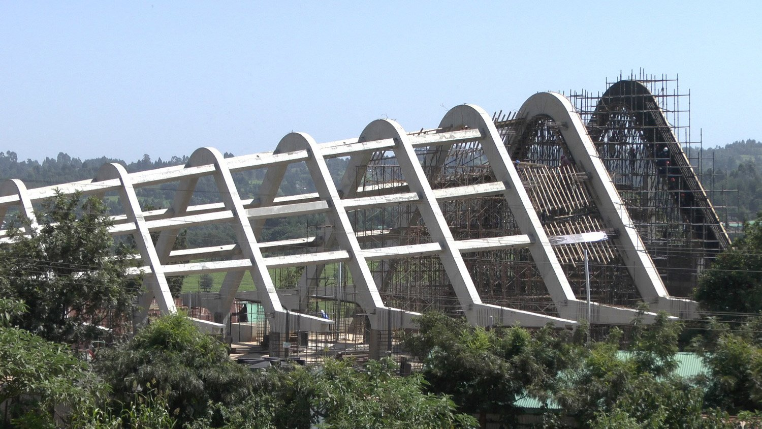Exterior view: roof under construction