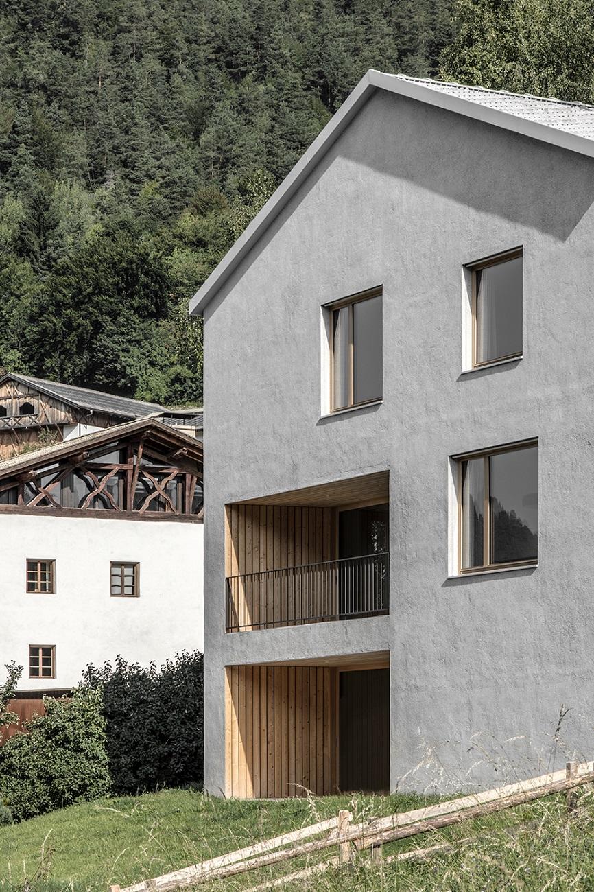 riferimento alla tipologia degli edifici storici  Photo by Gustav Willeit. © Arch. Daniel Ellecosta