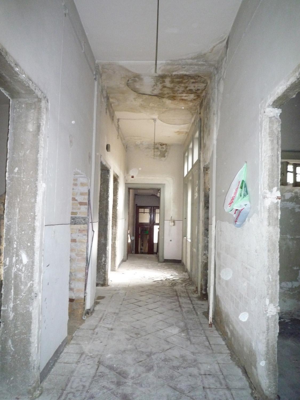 hallway old Catalano Murgia}