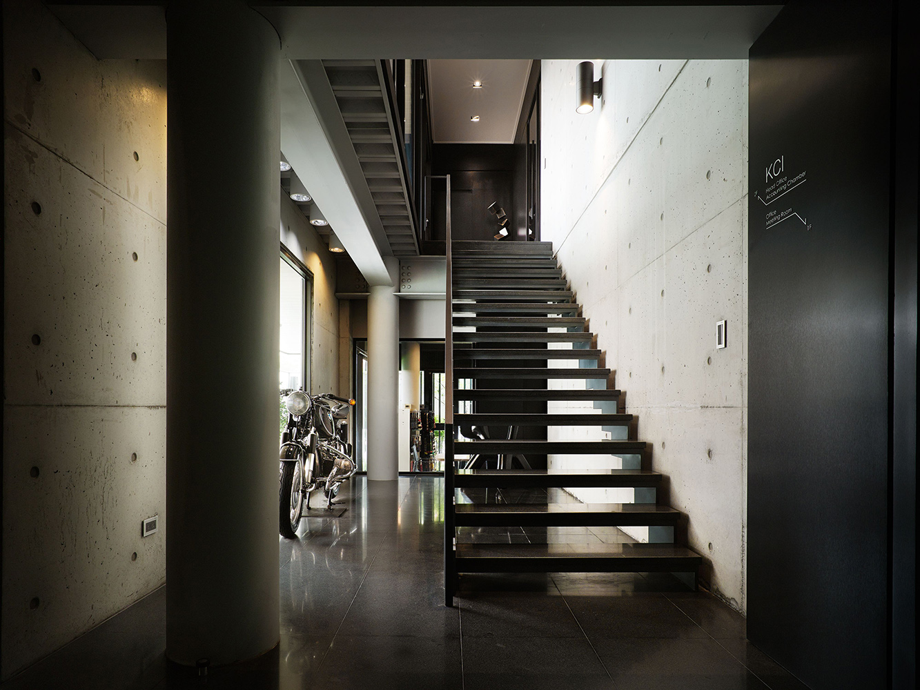 Staircase Kuo-Min Lee