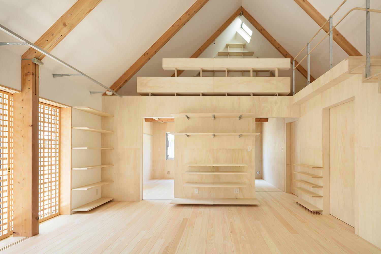 main room next to bedrooms Takumi Ota