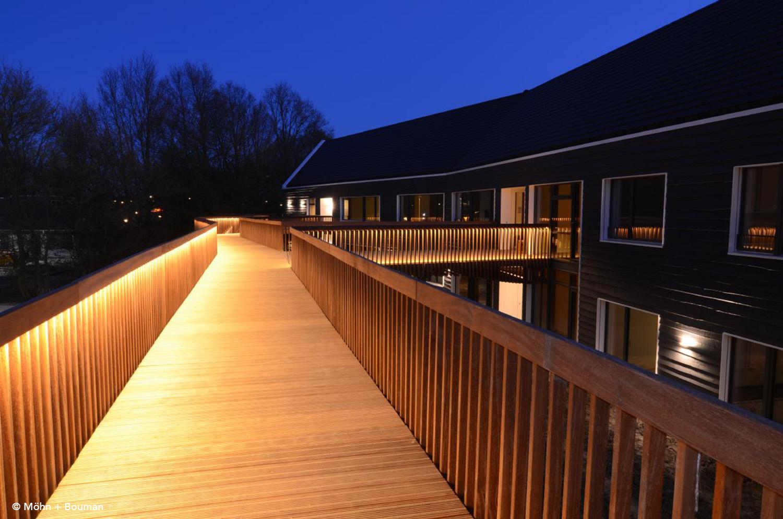 Night impression of the bridge walk Möhn + Bouman}