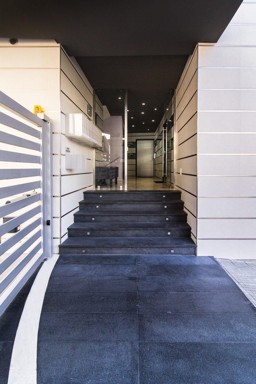 Vista dell'ingresso al complesso residenziale