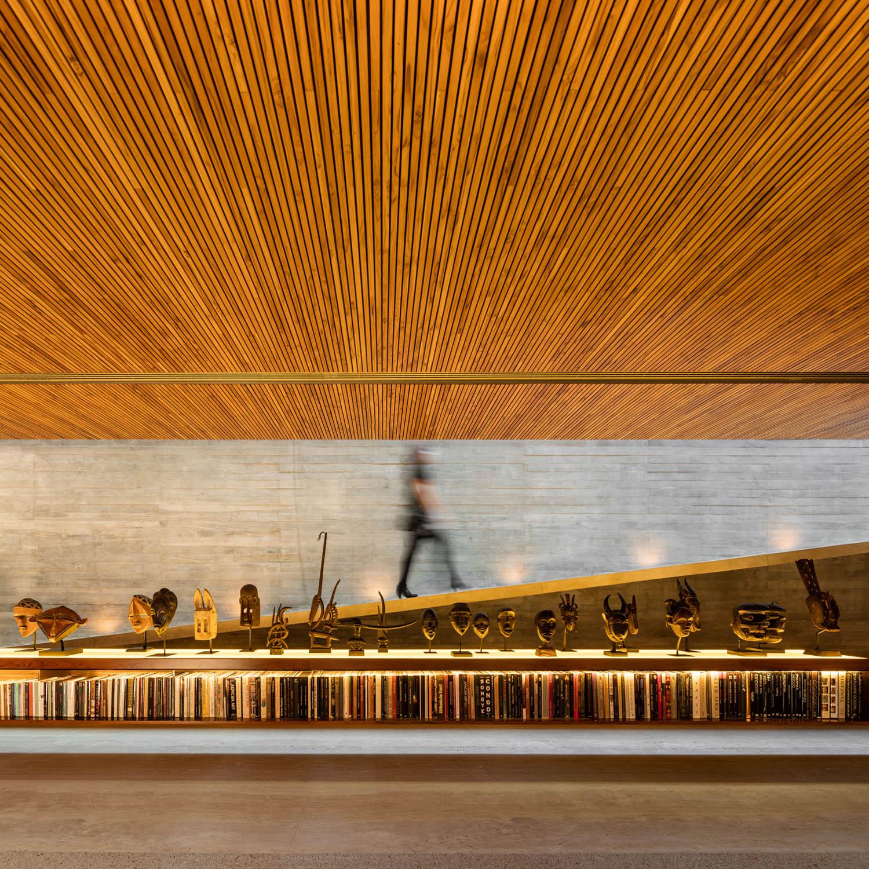 The ramp Fernando Guerra| FG + SG Fotografia de Arquitectura, courtesy Studio MK27