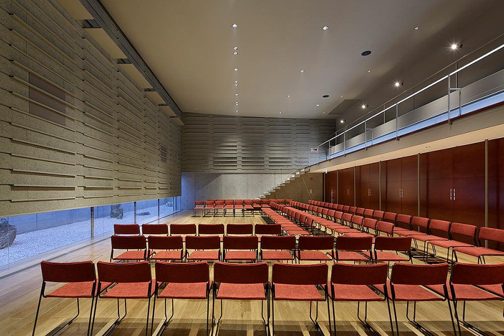Hall at full capacity: 100 seats Satoshi Shigeta