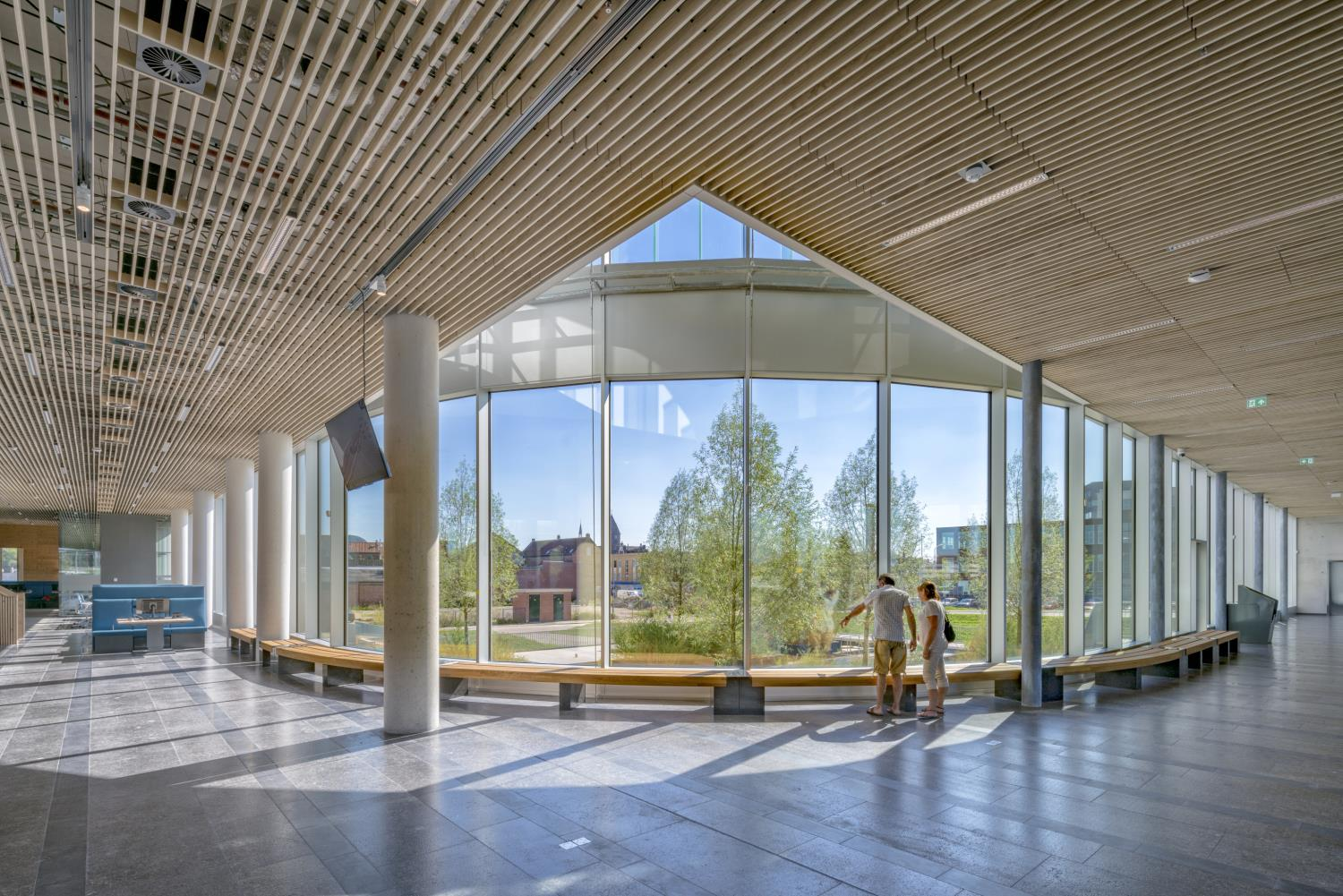 Inside the public hall offers the most space and the best views