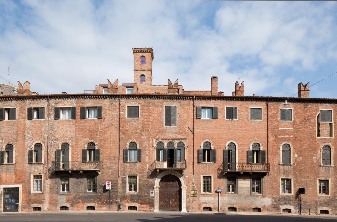 vista esterna del Palazzo
