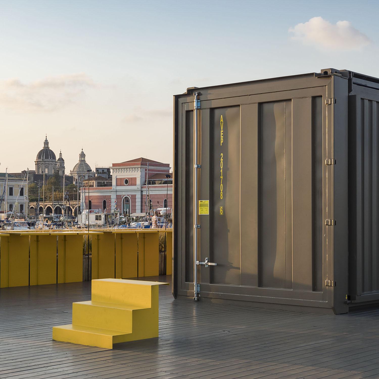 vista lato minore - container chiuso Ph. Alfio Garozzo