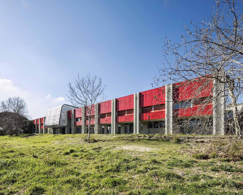 Vista esterna dal nuovo parco integrato alla scuola Luigi Filetici