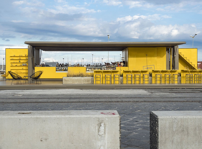 vista frontale - container aperto Ph. Alfio Garozzo