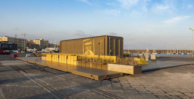 vista laterale  - container chiuso Ph. Alfio Garozzo