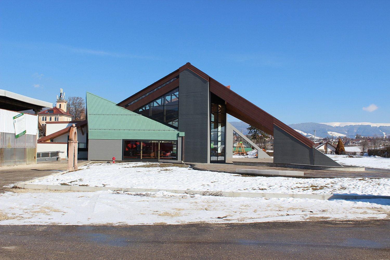 Edificio polivalente e parco urbano - Canove - vista sud Nadia Basso