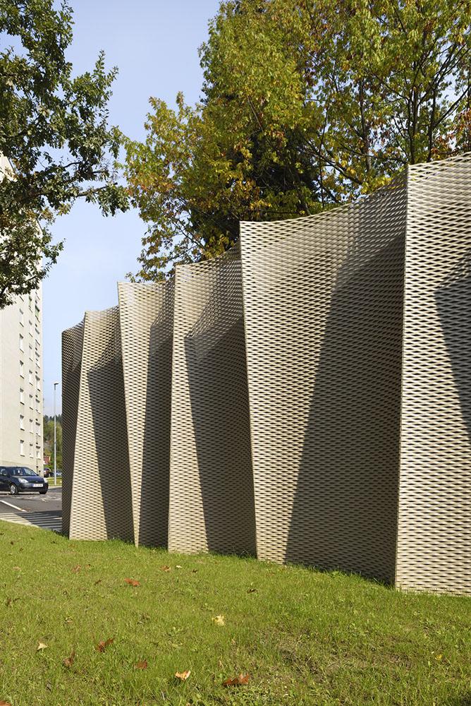 facade detail }