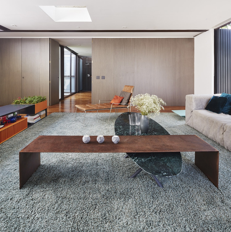 Upper floor living – access to the bedroom Pedro Kok}