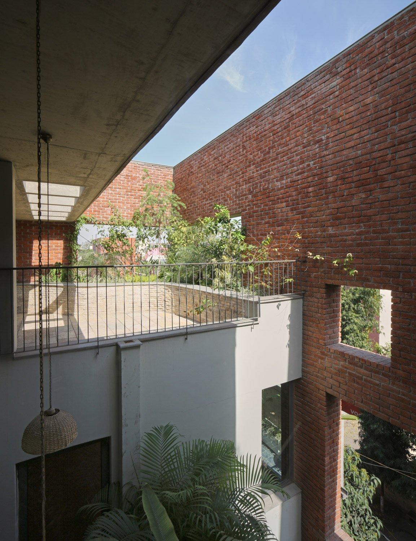 The vocabulary of the Brick Veil envelops the living spaces Edmund Sumner}