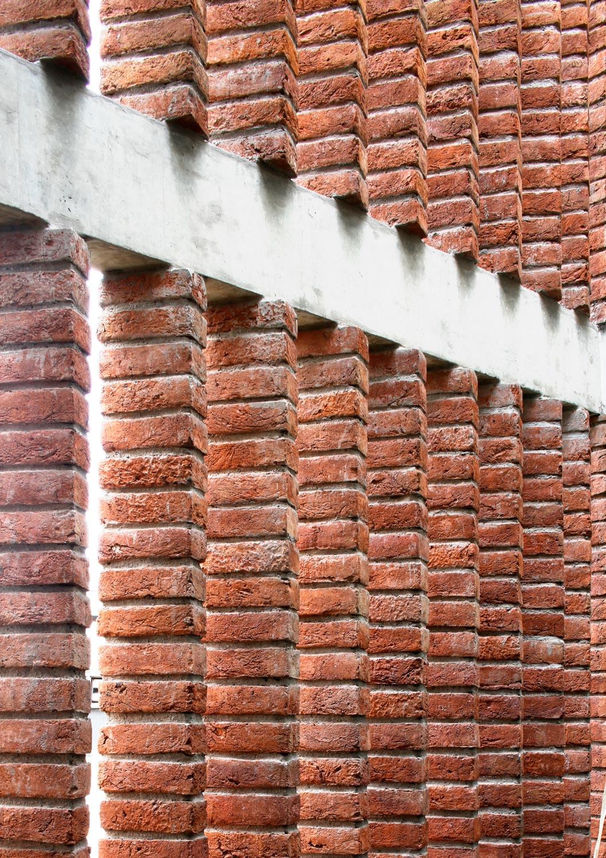 Details of the Brick Veil Edmund Sumner}