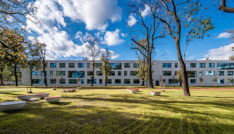 SECONDARY SCHOOL NO. 5 Maciej Lulko