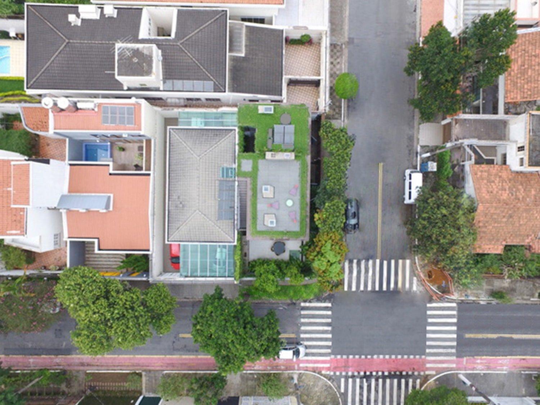 Site plan - urban insertion Pedro Kok}