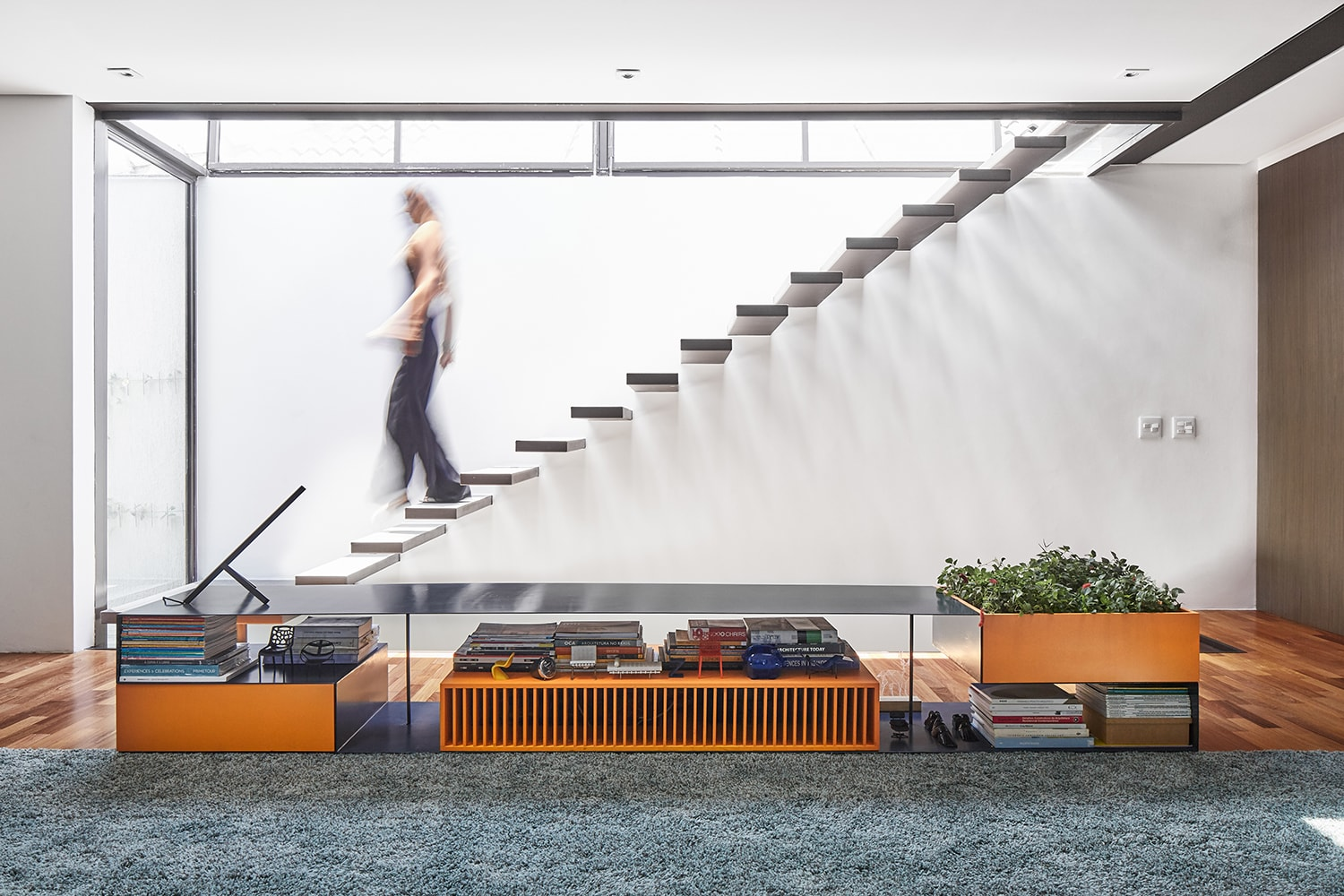 Stairs – access to the roof top Pedro Kok