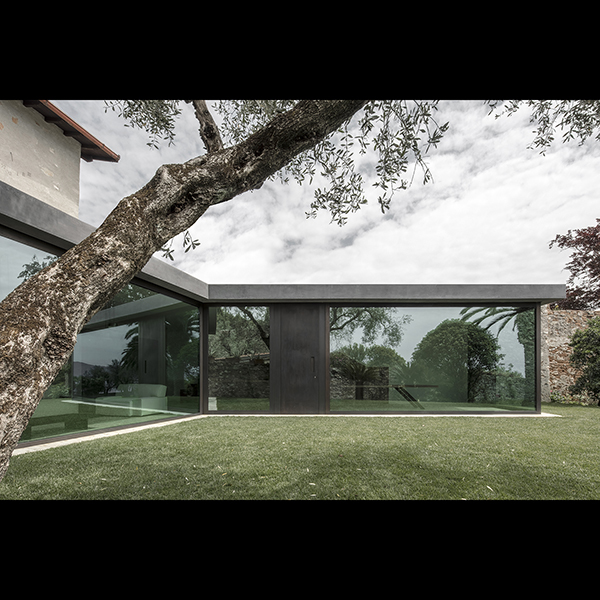 canopied, vacation home f at garda lake