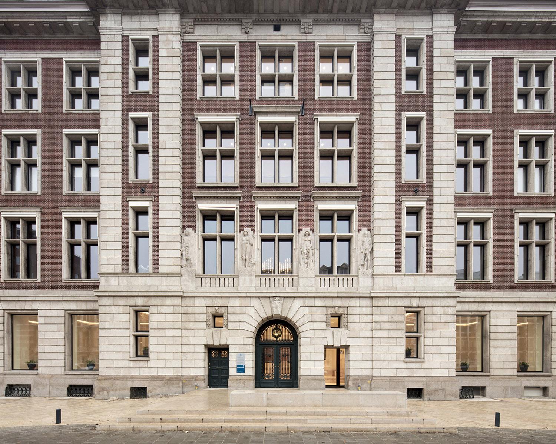 Close up facade of B30 Karin Borghouts