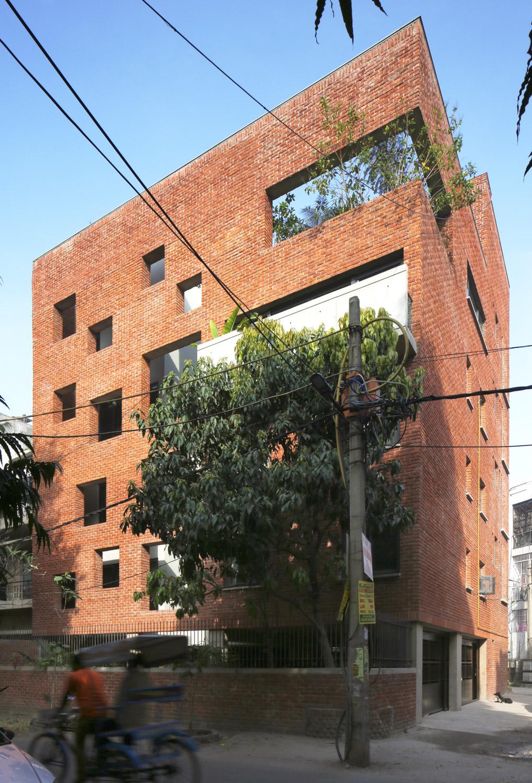 HOUSE WITH A BRICK VEIL, DELHI, INDIA Edmund Sumner