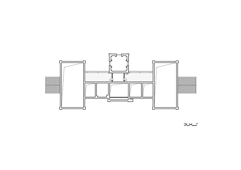 4th' Floor Plan }