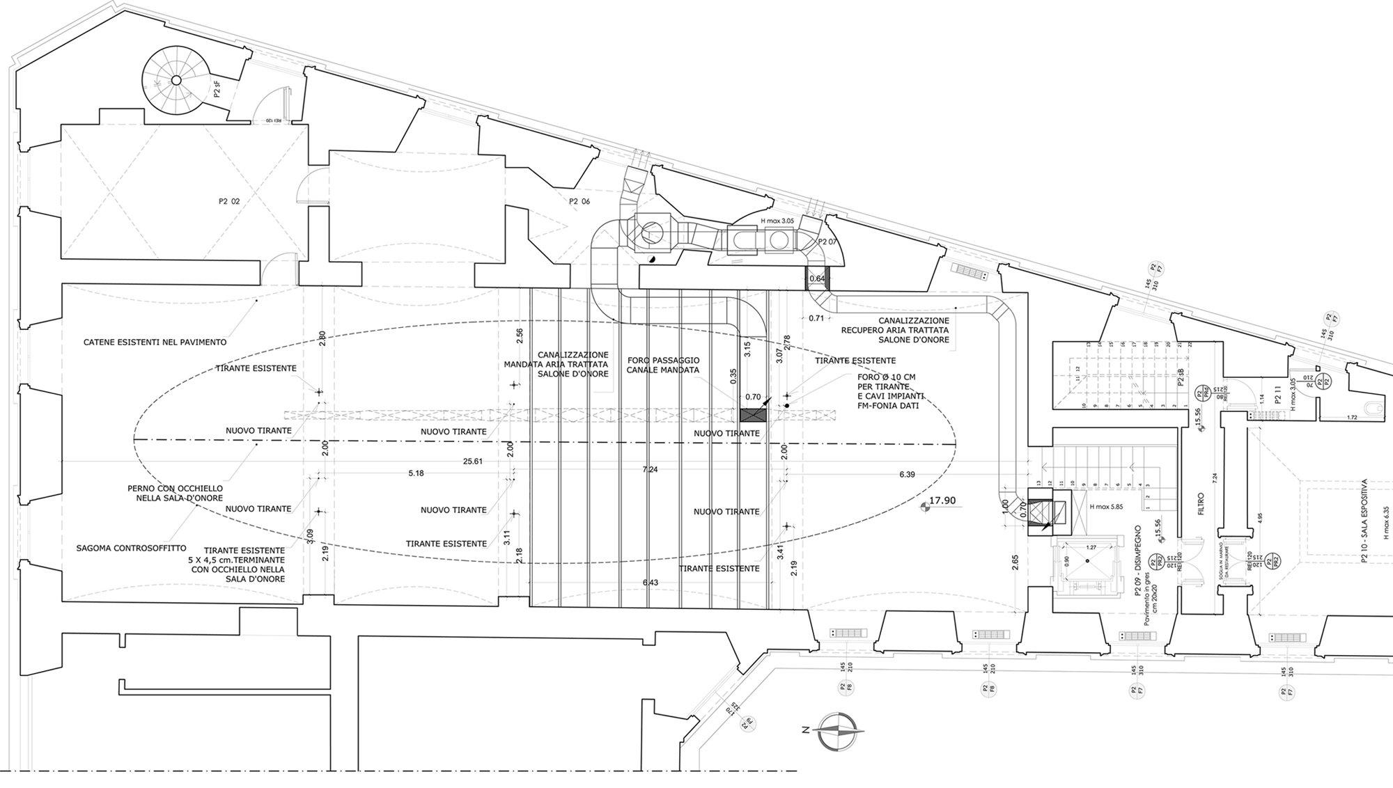 pianta del piano superiore al salone d'onore dove sono indicate le macchine dell'impianto con la posizione delle mandata e della ripresa }