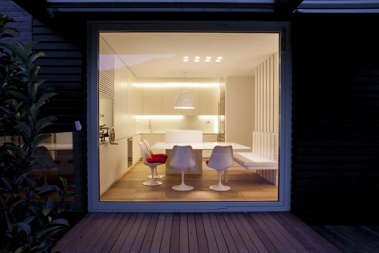 foto dell'area cucina-pranzo dall'esterno Leonardo Gentili