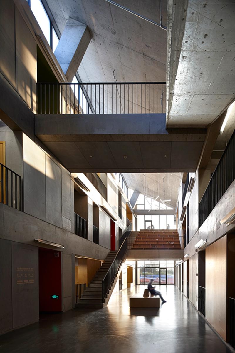 9-Public atrium space