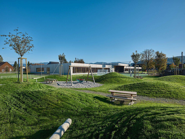 School Unterdorf_exterior view complete Bruno Klomfar