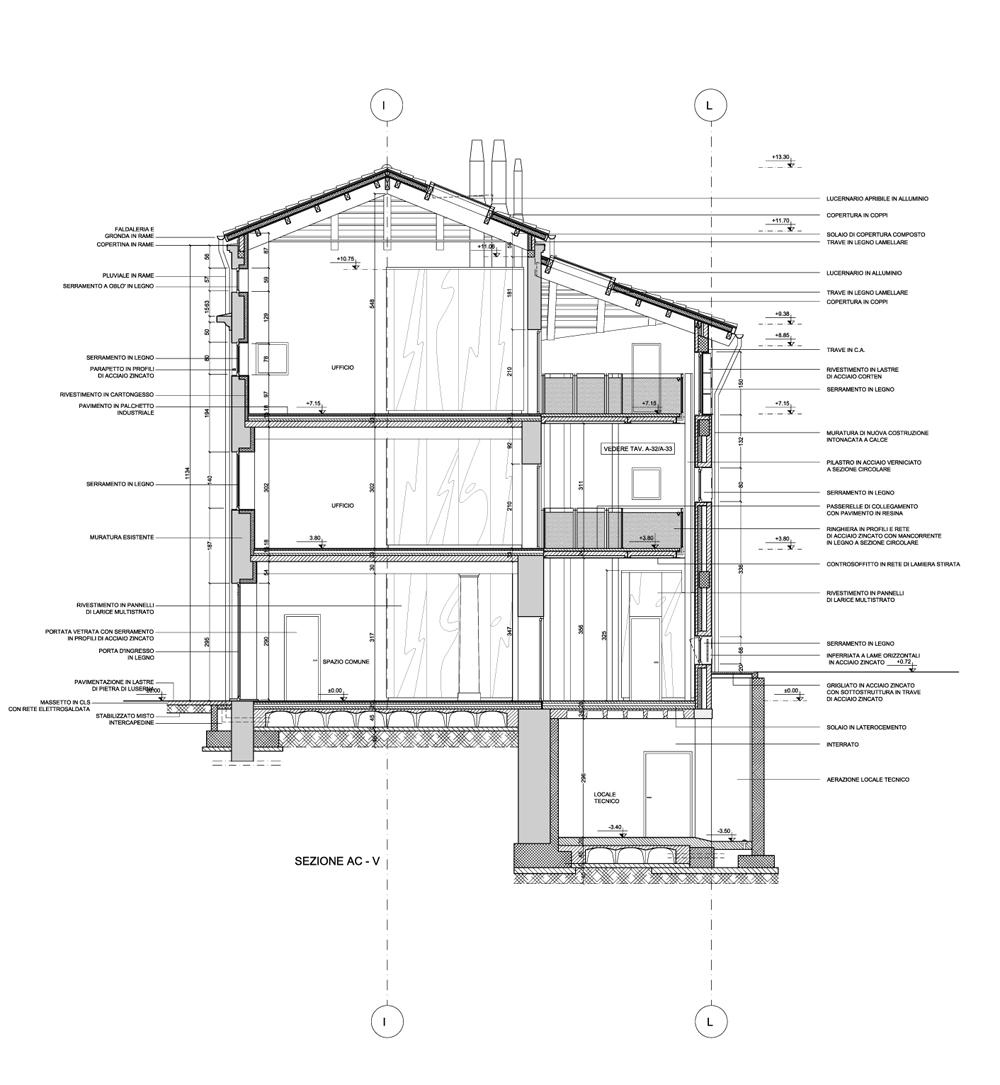 Sezione trasversale sulla villa e il corpo di distribuzione adiacente }