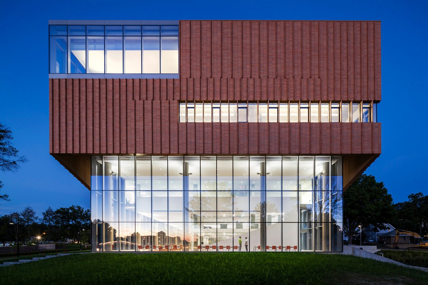 West elevation at dusk, Kent State Center for Architecture and Environmental Design, WEISS/MANFREDI Albert Večerka/Esto