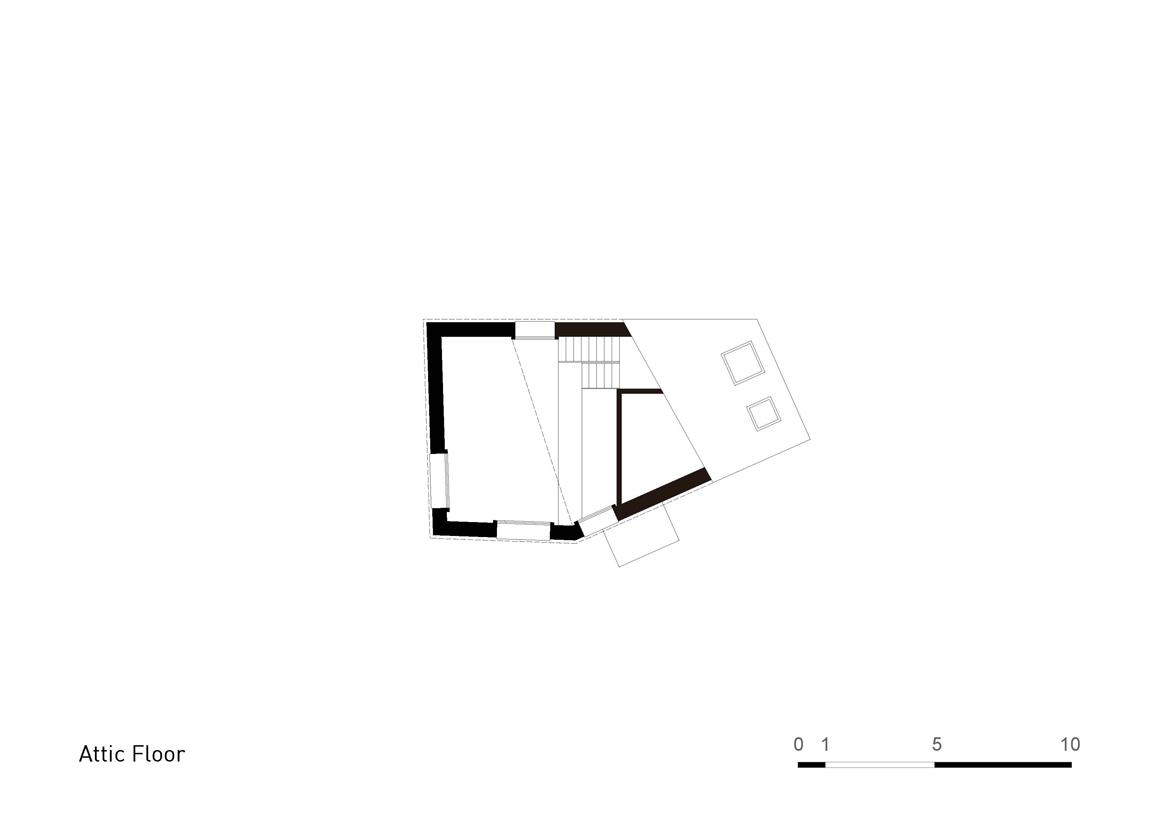 Plan Layout / Attic Floor }