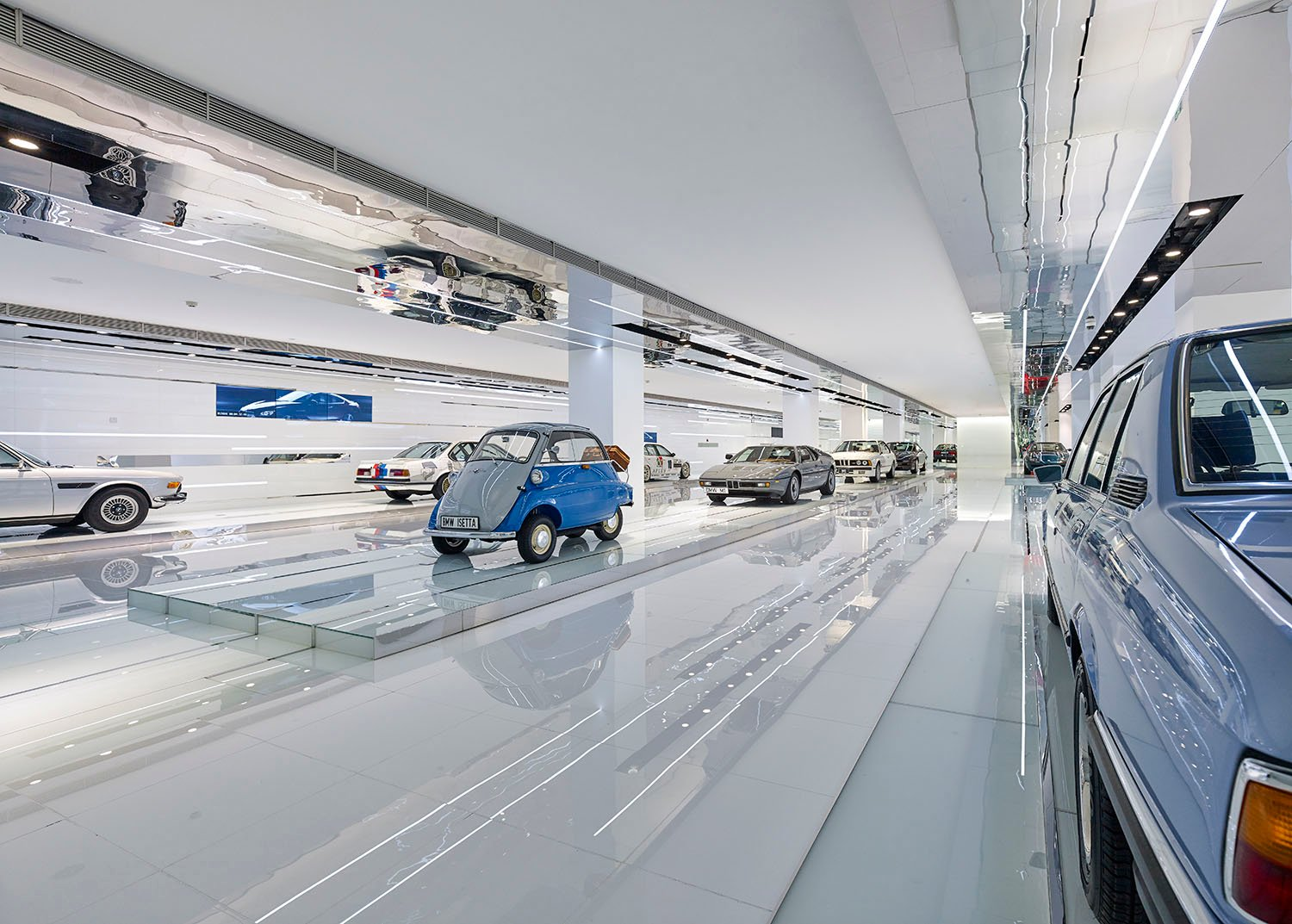 The prized cars highlighted on long platforms  YANG Chao Ying