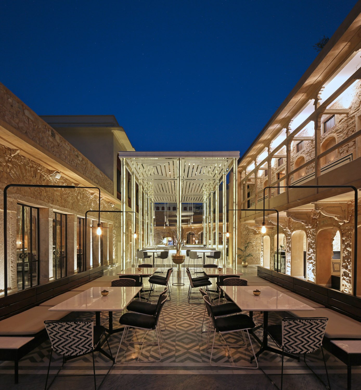 View of Courtyard with the Baradari Pavilion Edmund Sumner}