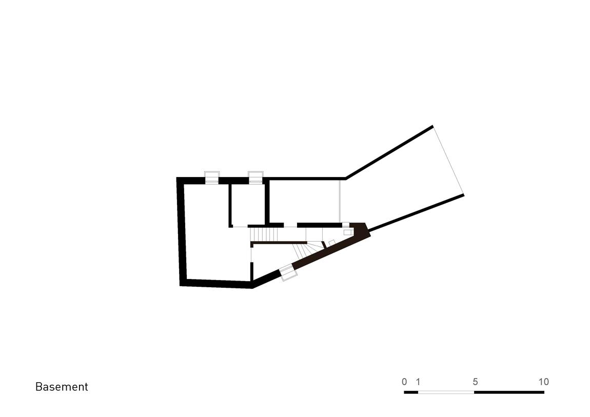 Plan Layout / Basement Floor }