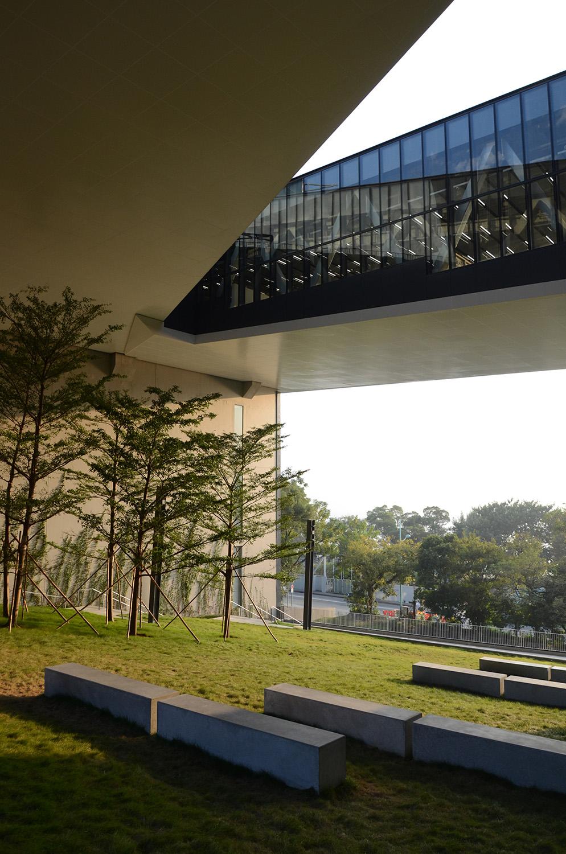 Podium Landscape Deck