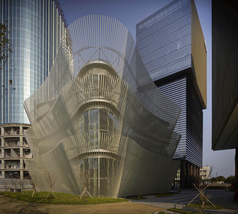 Angular view of the building Virgile Simon Bertrand