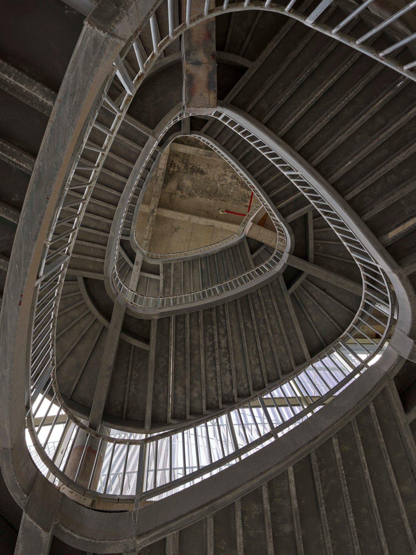 Triangular staircase in progress Virgile Simon Bertrand