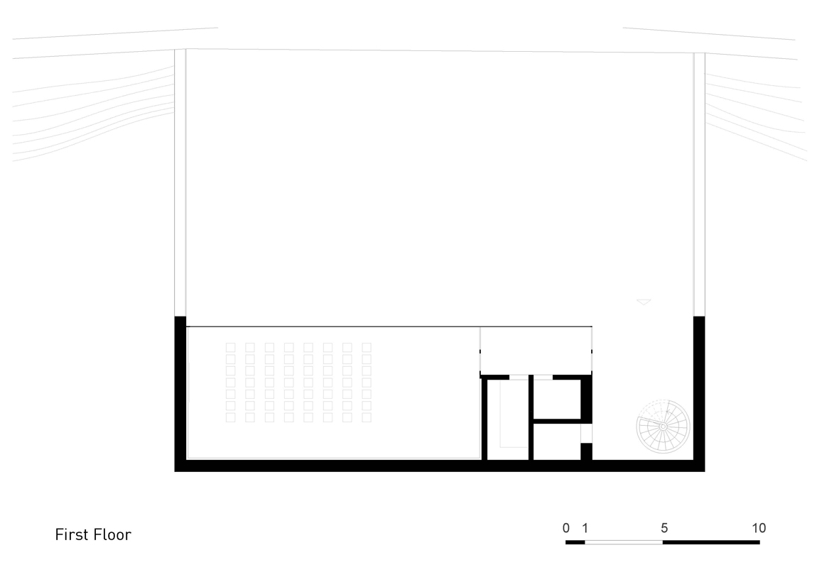 Plan Layout / First Floor }