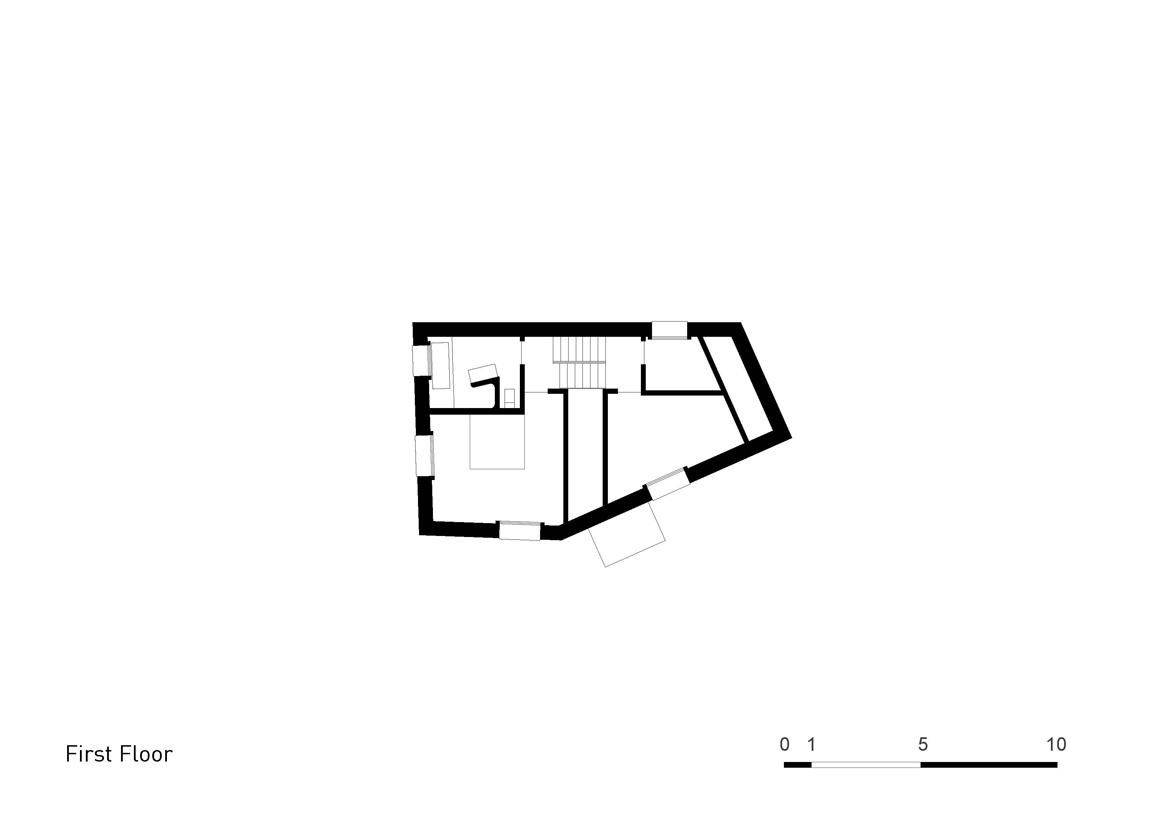 Plan Layout / First Floor }