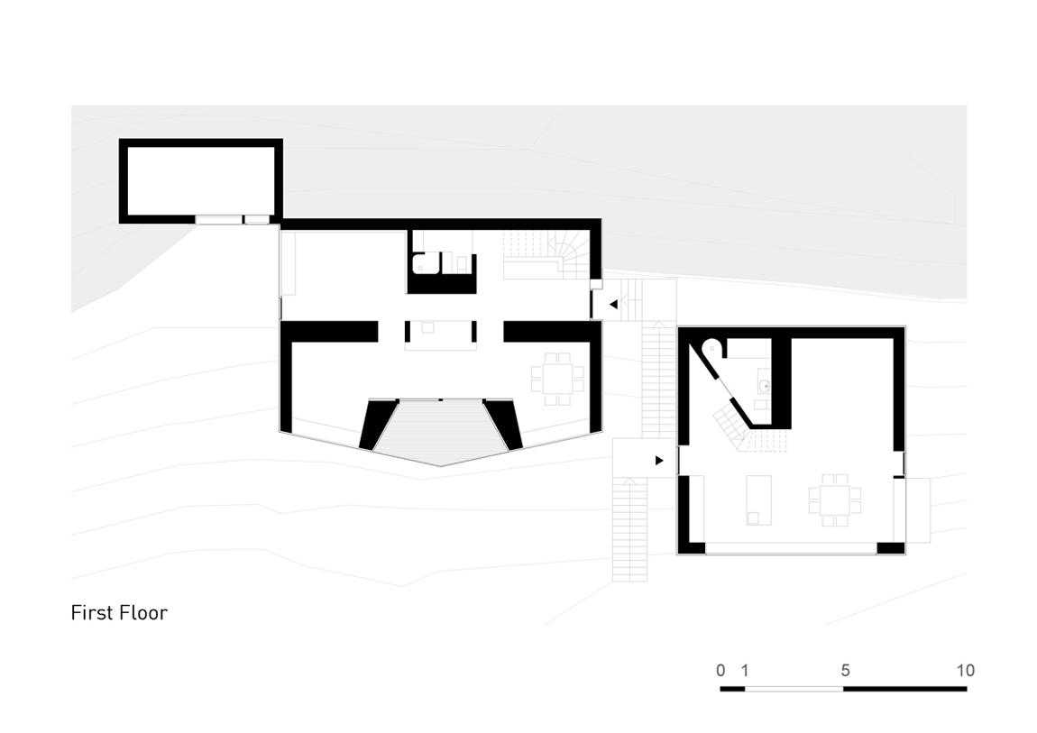Plan Layout / First Floor Plan }