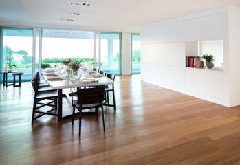 Foto 4 - Vista della sala da pranzo in continuità con l'ambiente cucina Gian Michele Manca