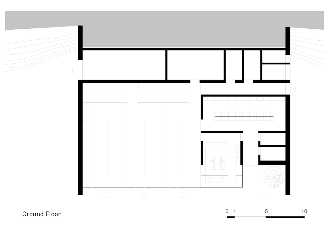 Plan Layout / Ground Floor }